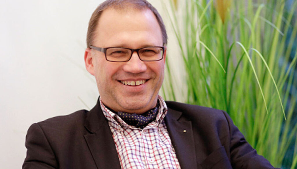 Dr. Andreas Walker