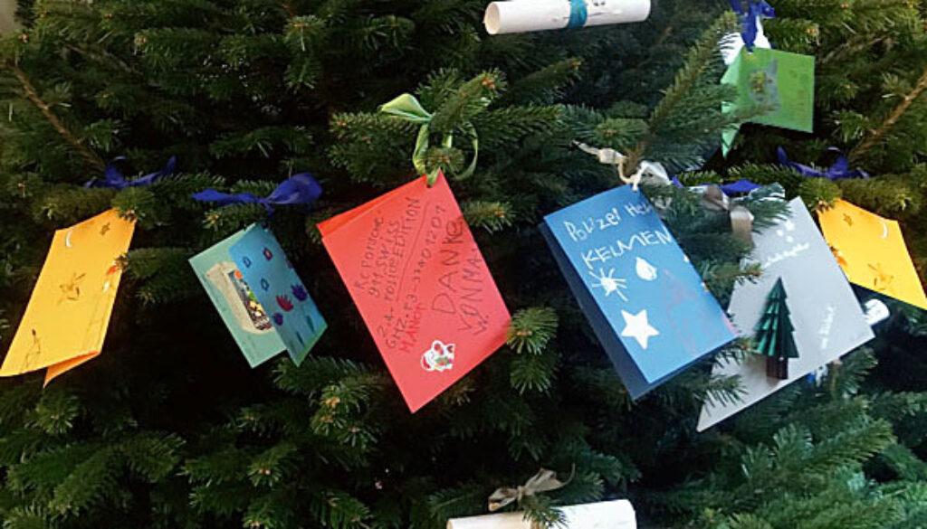 weihnachtsbaum-voller-kinderwuensche